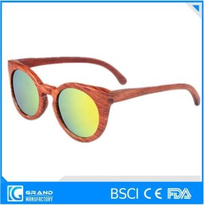 Italy Design Fashion Wooden Sunglasses pictures & photos