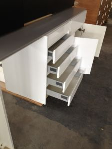 White Lacquer Base Kitchen Cabinets pictures & photos