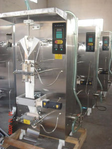 Vertical Tube Water/Drinks/Milk Filling Machine pictures & photos