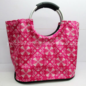 Customized Promotional Leisure Tote Beach Bags with Aluminium Round Handle pictures & photos