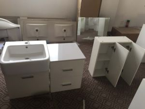 2016 New Painting MDF Bathroom Cabinet with Sink Sw-1329 pictures & photos