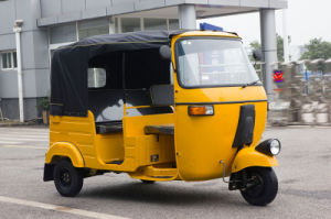 Hot Selling of Indian Bajaj Passenger Tricycle pictures & photos