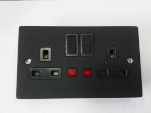 a&T British Standard 13A 250V 2 Gang Switch Socket with Matt Black