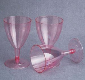 High Quality Disposable Plastic Wine Glass pictures & photos