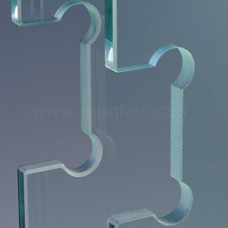 3-19mm Toughened Glass with Holes / Logo / Edges Polsihed / Cut Sizes pictures & photos