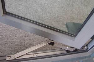 Single Pane Tilt & Turn Opening Aluminum Casement Window pictures & photos