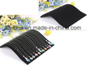 Simple Design Velet Display Stand /Exhibition for Jewelry (DF-3) pictures & photos