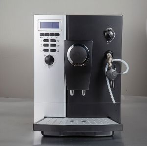 Commercial Fully Automatic Coffee Machine pictures & photos