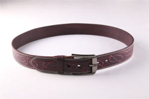 Fashion Men′s Leather Belt with Embossed Patterns pictures & photos
