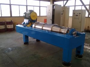 Lw450 Horizontal Type Spiral Discharge Centrifuge Machine for Water Treatment pictures & photos