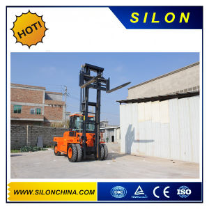 Socma 12t Diesel Forklift with Good Price pictures & photos