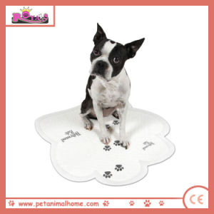 Super Absorbent Disposable Cartoon Printed Pet Pad Puppy Footprint pictures & photos
