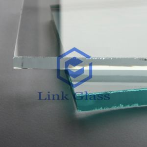4mm Prosmatic Glass for Solar Panel with 4mm Low Iron Glass pictures & photos