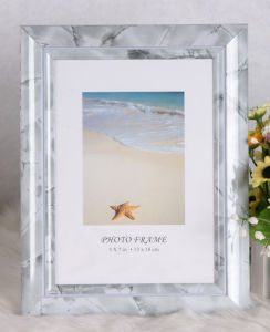 Plastic Photo Frame (BRS-O) pictures & photos