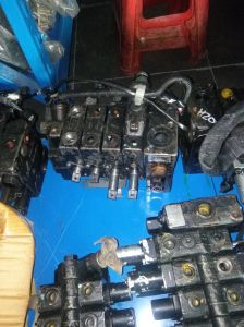 Toyota Hydraulic Valve for Forklift Toyota Control Valve for Forklift pictures & photos