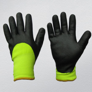 13G Nylon Lining Nitrile Coated Winter Work Glove pictures & photos