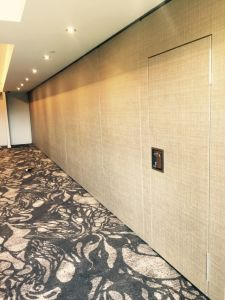 Acoustic Sliding Partition Wall for Hotel/Conference Hall/Multi-Purpose Hall pictures & photos