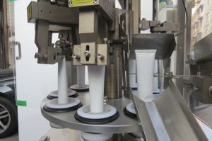 Tube Filling and Sealing Machine (Zhz-60z) pictures & photos