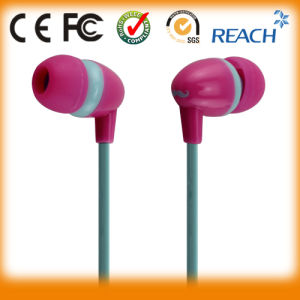 Flat Cable Mobile Stereo Earphone for iPhone/Sumsung pictures & photos