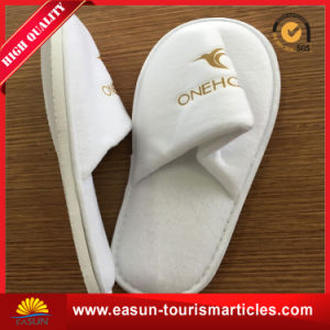 White Plush Hotel Disposable Slippers pictures & photos