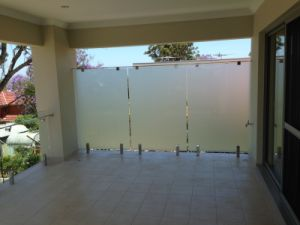 Frost Glass Balustrade with Square Clamp pictures & photos