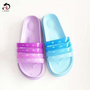 EVA Comfortable Light Slippers with Colorful Upper pictures & photos