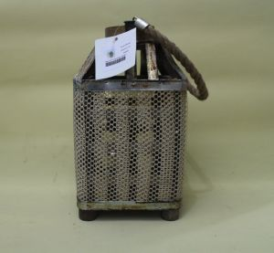 The Gauze Square Shaped Rugged Industrial Style Candle Lantern pictures & photos