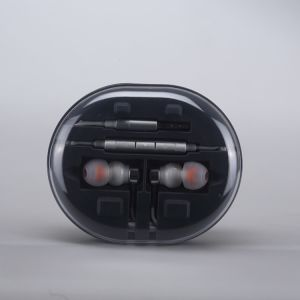 Wholesale Price! Hybrid Dynamic Balanced Armature Dual-Driver High Quality Earphones, Hi-Fi Earphones pictures & photos