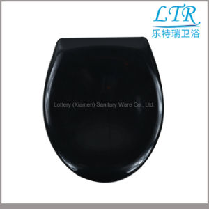Soft Close Bathroom Black Color Urea Toilet Seat pictures & photos