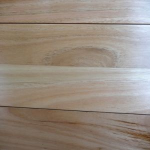 Natural Color Solid Blackbutt Timber Flooring pictures & photos