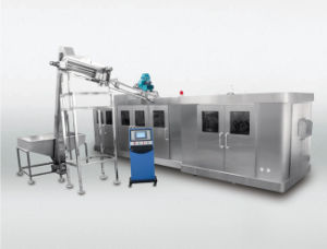 Eight Cavity High Speed Blow Molding Machine for Pet Bottle pictures & photos