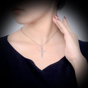White Gold Plated Cross Pendant Woman imitation Jewelry Necklace pictures & photos