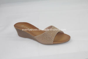 Diamond Printed Lady Open Toe Slippers for Indoors pictures & photos