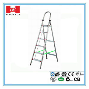 2016 High Quality Compact Aluminum Folding Ladder pictures & photos