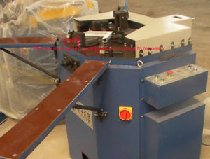 Aluminum Windows Corner Crimping Machine pictures & photos