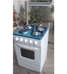 Free Standing Gas Oven with Four Burners Gas Stove pictures & photos