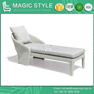 Wicker Sunlounger with Cushion Rattan Outdoor Daybed Patio Sun Bed (Magic Style) pictures & photos