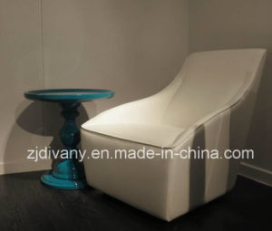 Modern Classics Style White Leather Single Sofa (D-54) pictures & photos
