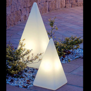 Street Decoration Pyramid Illuminated Outdoor Lamp pictures & photos