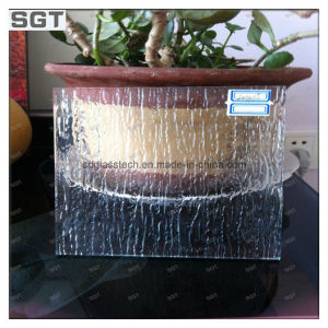 Low Iron Patterned Tempered Glass pictures & photos