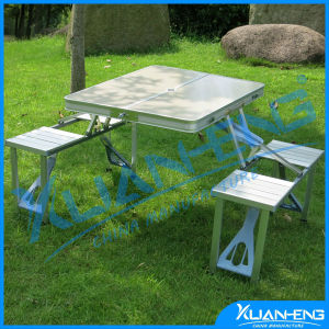 Fashion High Quality Daily Useful Picnic Dining Folding Table pictures & photos