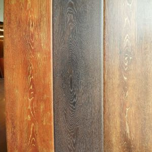 Foshan Factory Embossed Surfure Laminate Wooden Flooring pictures & photos