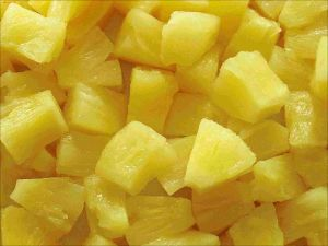 Canned Pineapple Pieces in Syrup pictures & photos