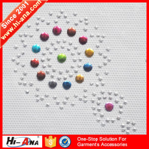ISO 9001: 2000 Certification Various Colors Rhinestone Design pictures & photos