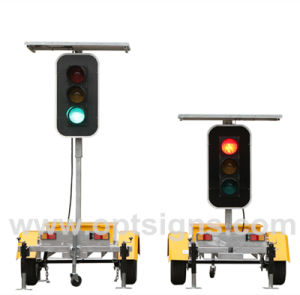 IP65 China Vehicle Safety Best Aluminum Signal Solar Four Way 12V LED Traffic Lights pictures & photos