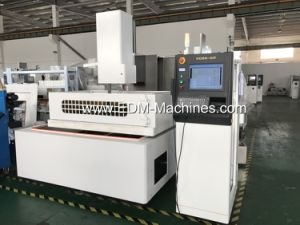 Quality Wire Cutting EDM Machine pictures & photos