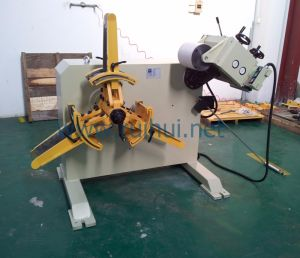 in Press Line Which Used Straightener with Decoiler Machine (RGL-200) pictures & photos