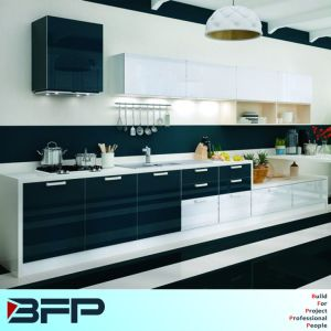 Rta Customized Good Design Kitchen Cabinet pictures & photos