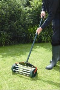 Lawn Spike Aerator / Lawn Aerator / pictures & photos