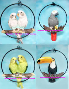Resin Macaw On Ring, Polyresin Cockatoo Crafts pictures & photos